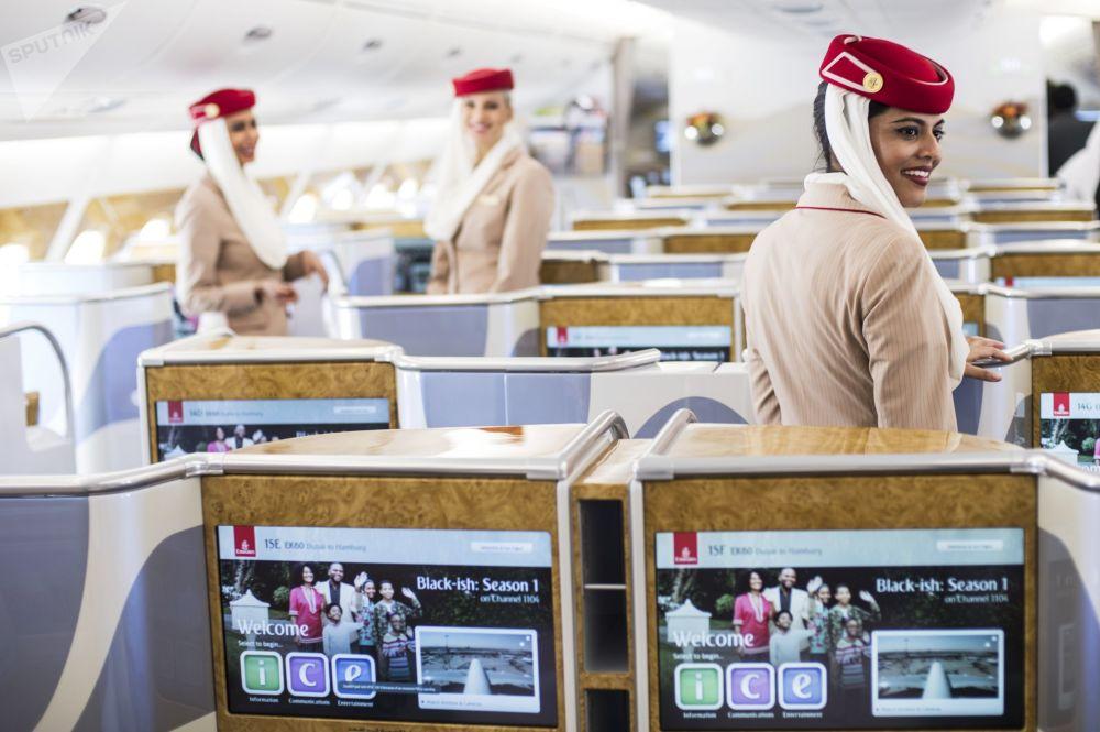 صالون طائرة Airbus A380-800 تابعة لشركة الطيران Emirates Airline
