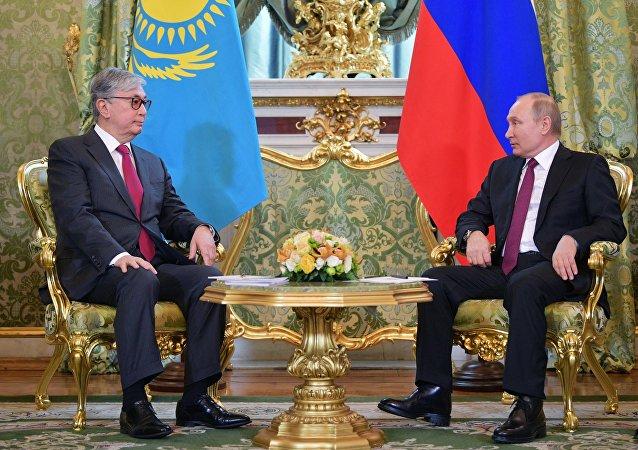 لقاء الرئيس الروسي والرئيس الكازاخي