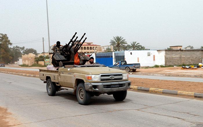 تجدد الاشتباكات بين حكومة الوفاق والجيش الوطني جنوبي العاصمة الليبية