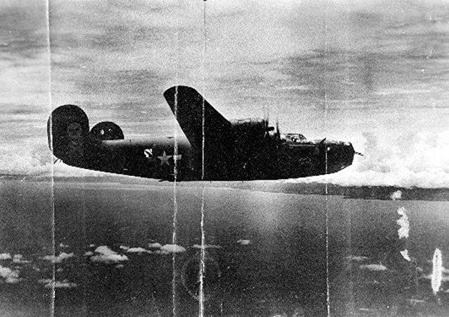 قاذفة قنابل أمريكية من طراز بي-24