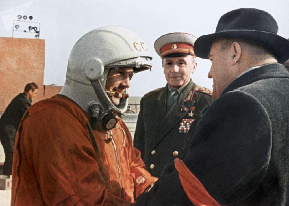 الكلمات الأخيرة من الطيار-رائد الفضاء سيرغي كوروليوف لرائد الفضاء يوري غاغارين