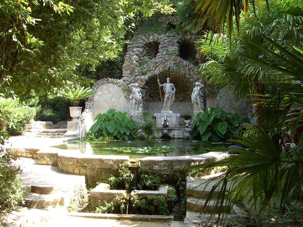 حدائق رويال هاربور بالقرب من دوبروفنيك، كرواتيا