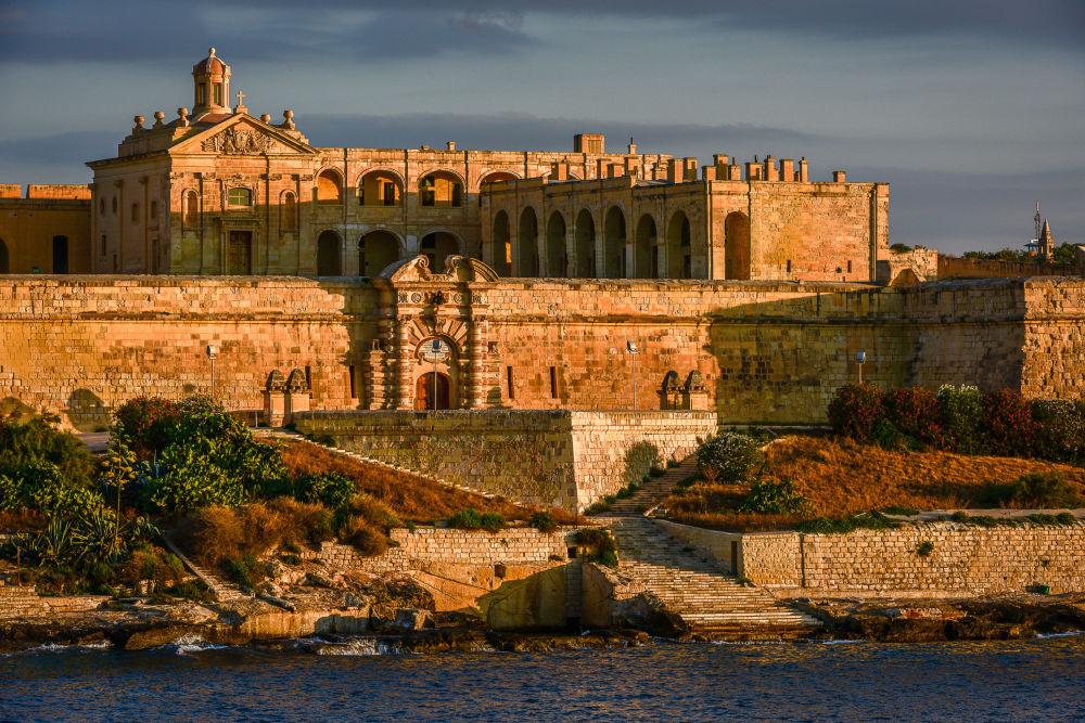 قلعة فرسان مالطا فورت مانويل من زمن العصور الوسطى