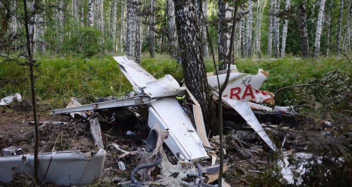 تحطم طائرة خفيفة