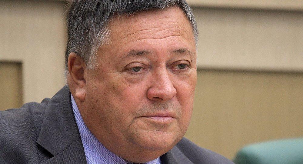 سيرغي كلاشينكوف، النائب الأول لرئيس لجنة مجلس الاتحاد للسياسة الاقتصادية الروسية