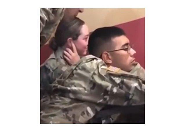 مواقف ساخرة في حياة العسكريين