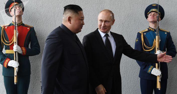 الرئيس الروسي فلاديمير بوتين والزعيم الكوري الشمالي كيم جونغ أون