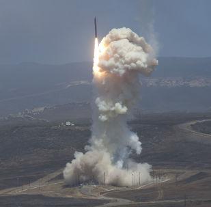 اختبار صاروخ تابع للدرع الصاروخي الأمريكي