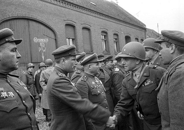 لقاء الحلفاء في ألمانيا في ابريل/نيسان 1945