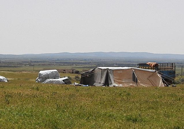 محررو مخيم الركبان يروون لسبوتنيك رحلة الإفلات من (أوشفيتز سوريا Рукбан