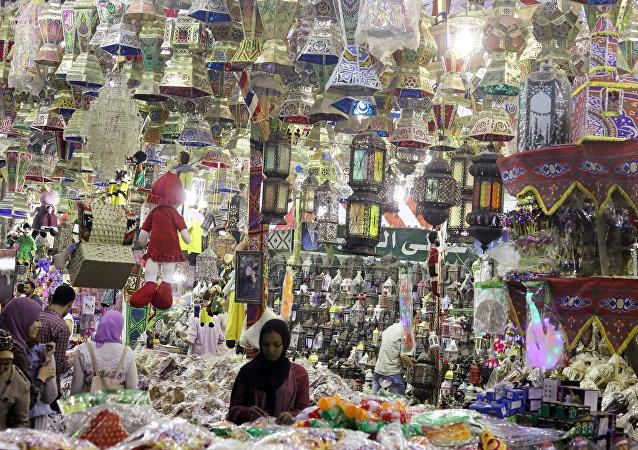 محل لبيع الفوانيس في القاهرة استعدادا لشهر رمضان