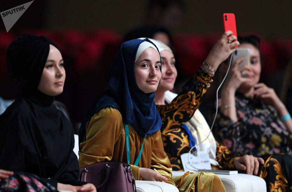 عرض الأزياء RUSSIA-OIC FASHIONWAY 2019 في إطار القمة الاقتصادية روسيا - العالم الإسلامي: قمة قازان