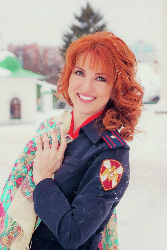 رائد شرطة بوليا غلاديشيفا، من مدينة إيفانوفو