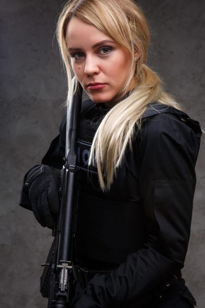 ملازم شرطة آنا يولداشيفا، من مدينة كالينينغراد