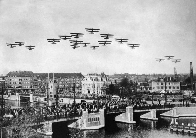 الطائرات في سماء هولندا خلال الحرب العالمية الثانية، عام 1939