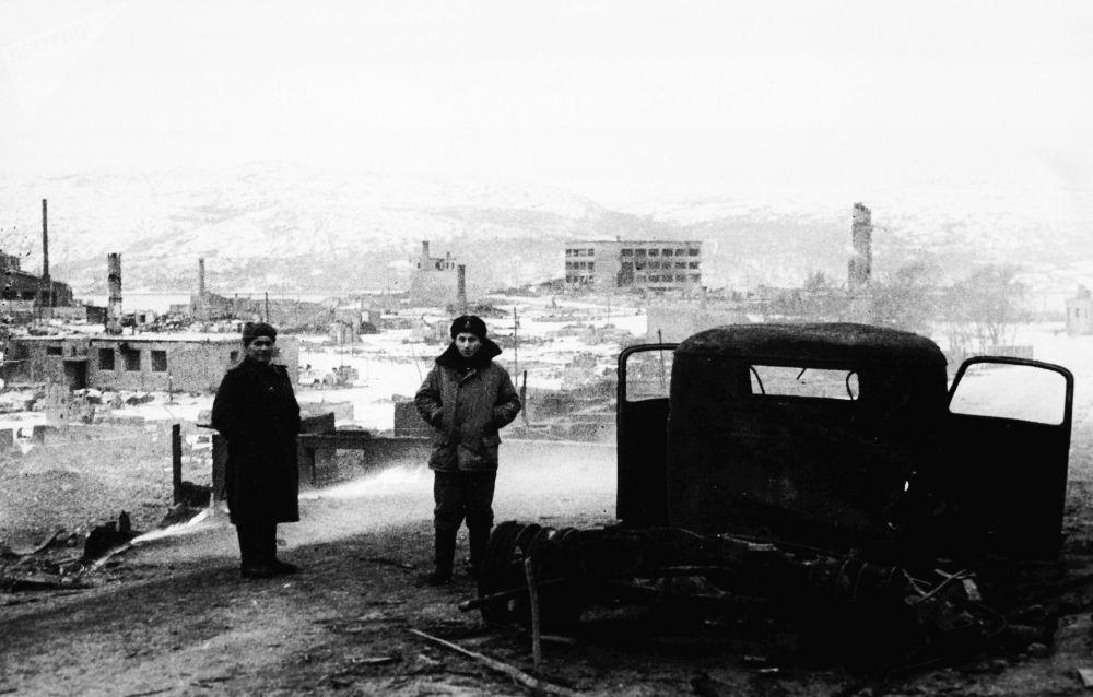 مدينة كيركينيس (النرويج)، أحرقها النازيون بالكامل، عام 1944