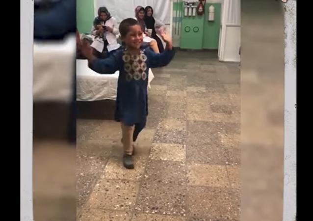 طفل أفغاني