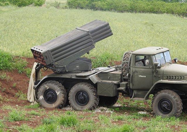 راجمة (بي إم-21غراد) السوفيتية تسحق إرهابيي النصرة من مرابضها بريفي حماة واللاذقية