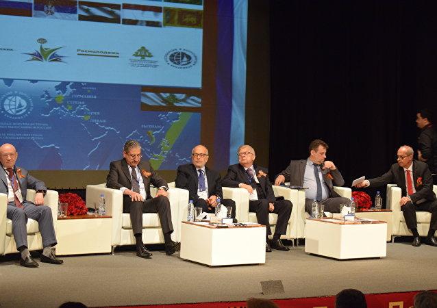 وزير التربية اللبناني: نأمل أن تبقى روسيا الدولة الداعمة للبنان في المشاريع التي ترسم للأقاليم وفي المحافل الدولية