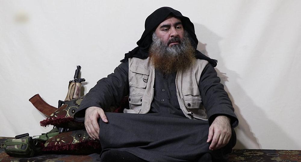 زعيم تنظيم داعش أبو بكر البغدادي في أحدث ظهور منذ خمس سنوات