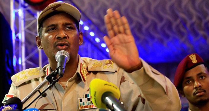 قائد قوات الدعم السريع، نائب رئيس المجلس العسكري في السودان، محمد حمدان دقلو، المعروف بـحميدتي