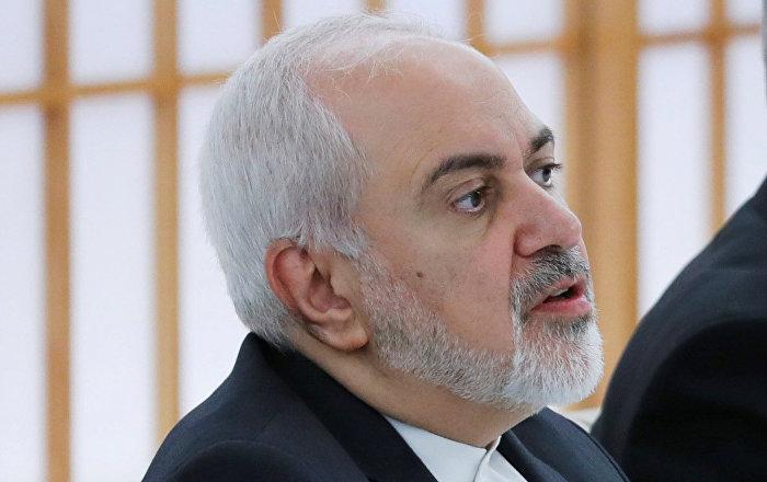 ظريف يرد على ترامب: لا تهدد إيران وإلا