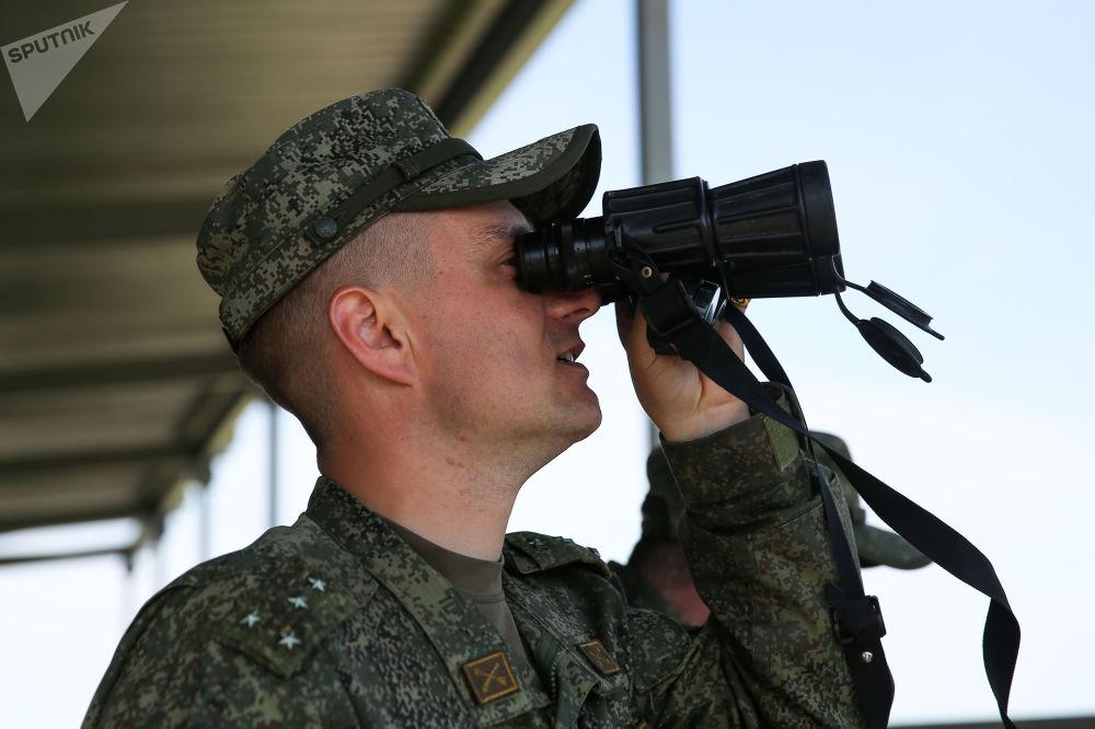 مسابقة تشيستويه نيبو (السماء النظيفة) للجيش في ميدان ييسك التابع لمركز التدريب للدفاع العسكري المضاد للطائرات