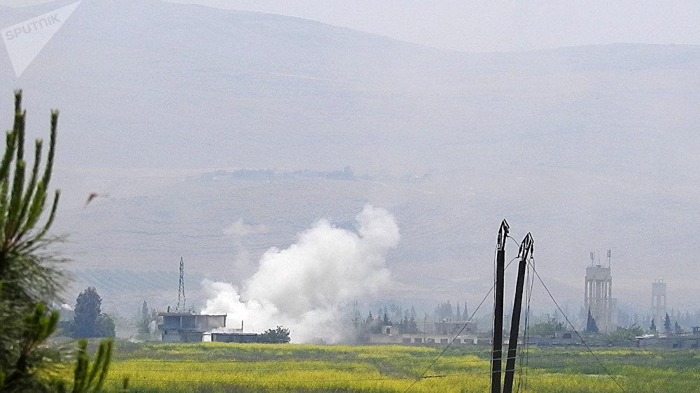 تمهيد ناري يستبق اقتحام الجيش السوري لمواقع تنظيم جبهة النصرة في ريف حماة، سوريا
