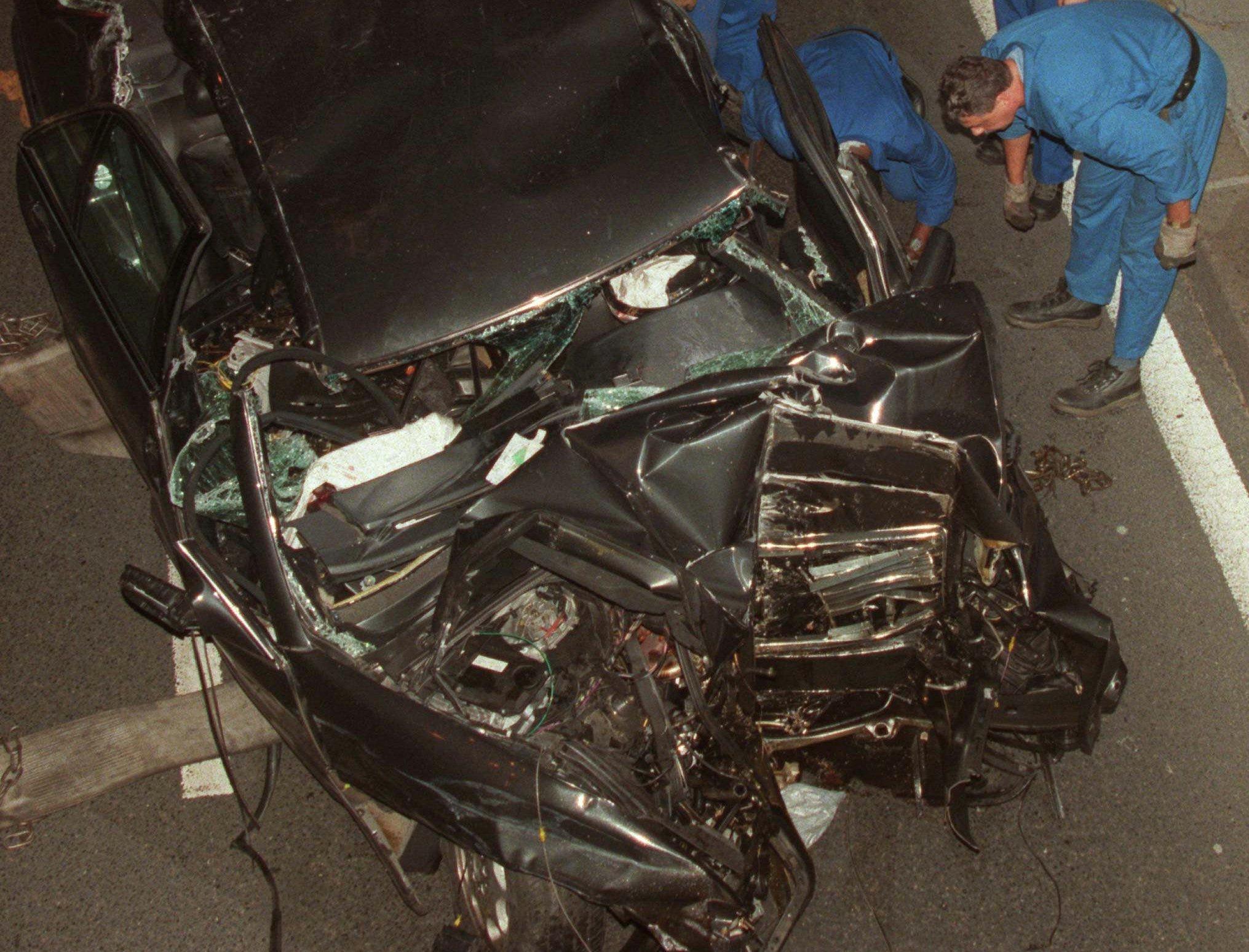 مرسيدس الأميرة ديانا المحطم بعد الحادث