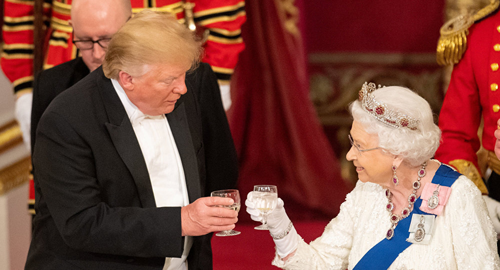 ترامب وإليزابيث