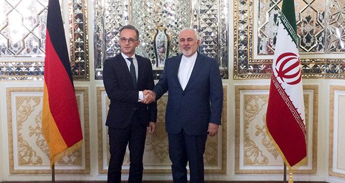 وزير الخارجية الإيراني، محمد جواد ظريف، ووزير الخارجية الألماني، هايكو ماس في طهران