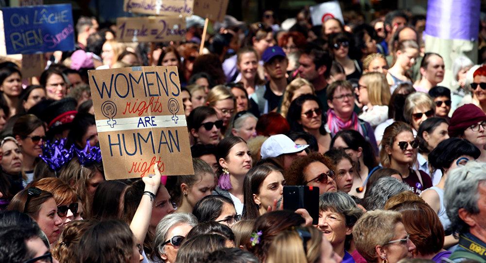 إضراب نساء في لوزان بسويسرا للمطالبة بمساواة في حقوقهن، 14 يونيو/حزيران 2019