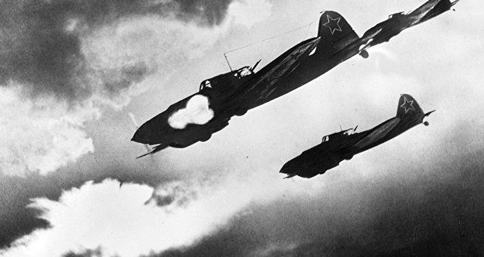 طائرات إيل-2