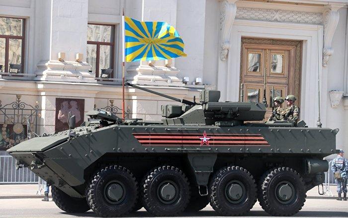 """نظيرة """"بوميرانغ"""" الروسية… الصين تطور دبابة ذات عجلات… صور"""