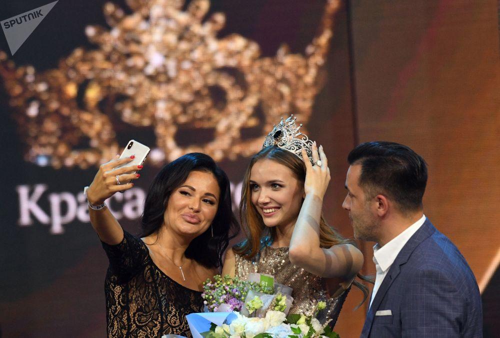 مهرجان الجمال والمواهب الـ25 كراسا روسسس-2019 (حسناء روسيا 2019) في قاعة فيغاس يتي هول - الفائزة بلقب حسناء روسيا 2019 آنا باكشييفا