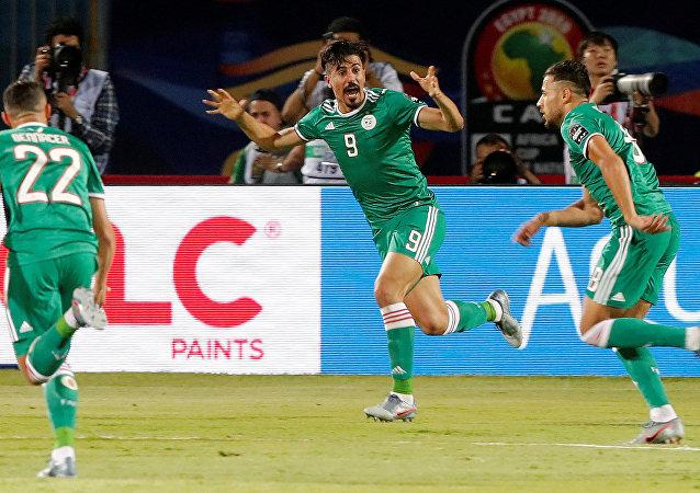 يوسف البلايلي بعد إحرازه هدف فوز منتخب الجزائر