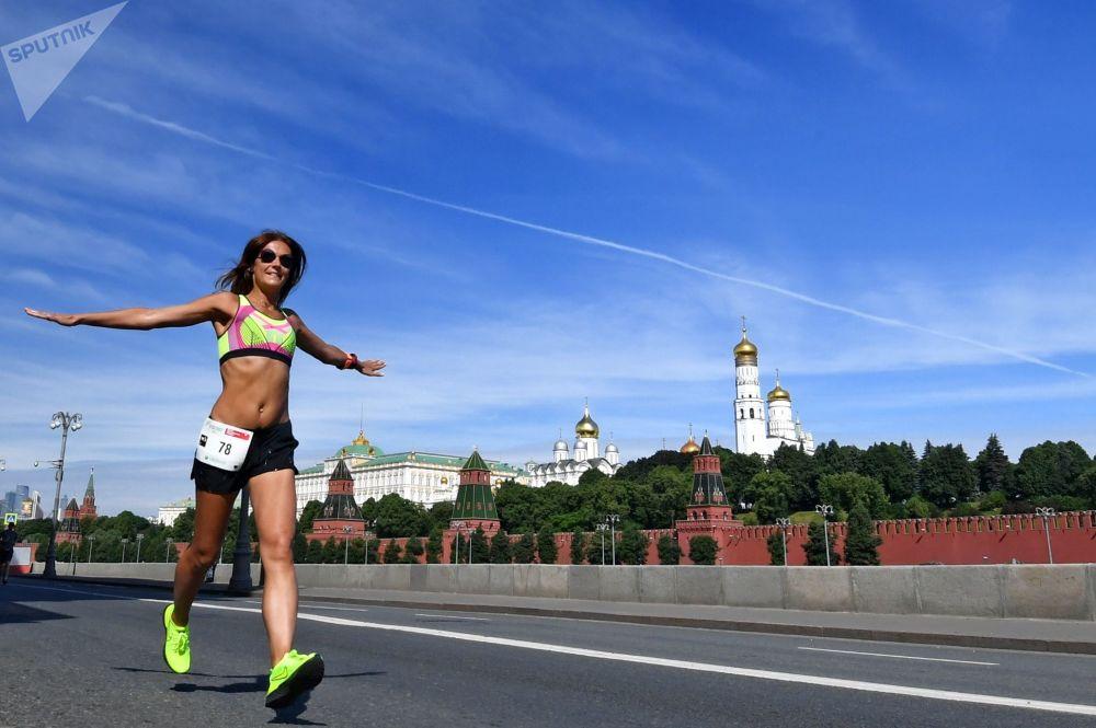 مشاركة في سباق الماراثون الأخضر للقلب الراكض في موسكو