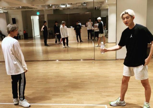 EXO's Baekhyun joining #BottleCapChallenge