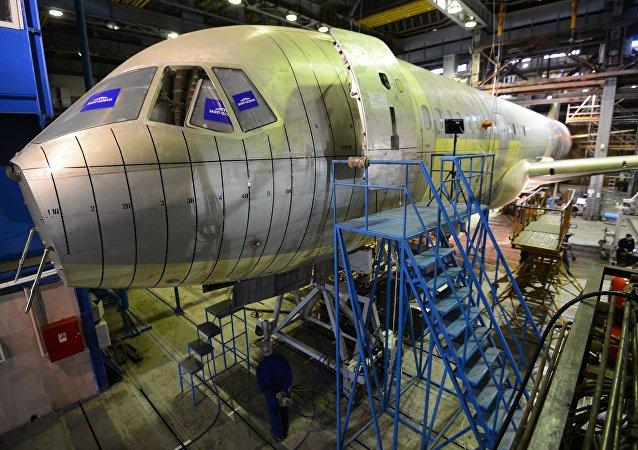 معهد أبحاث الطيران في ريف موسكو: نموذج تجريبي من طائرة إم إس-21