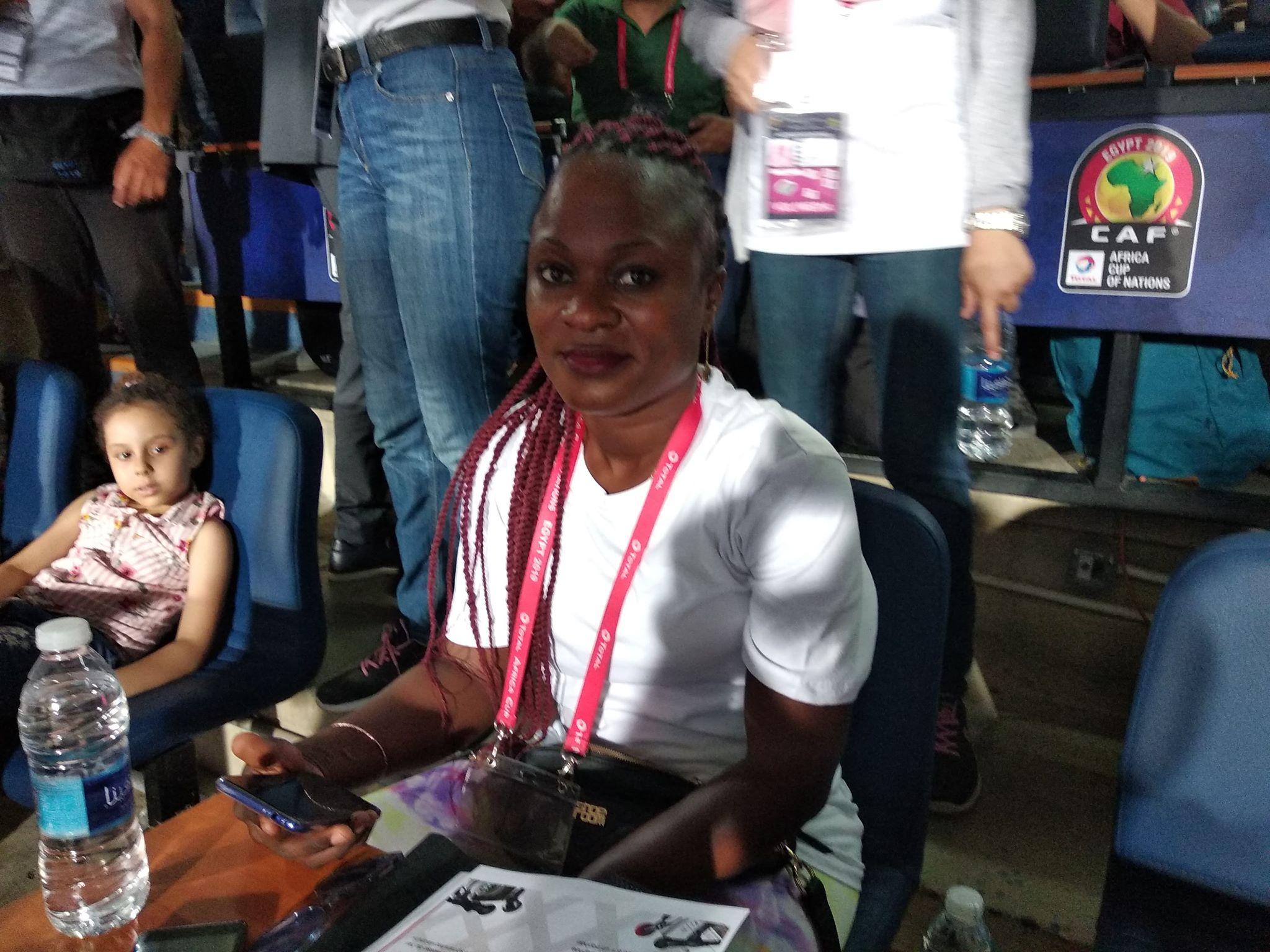 تشارلين صحفية كونغولية في بطولة أمم أفريقيا 2019