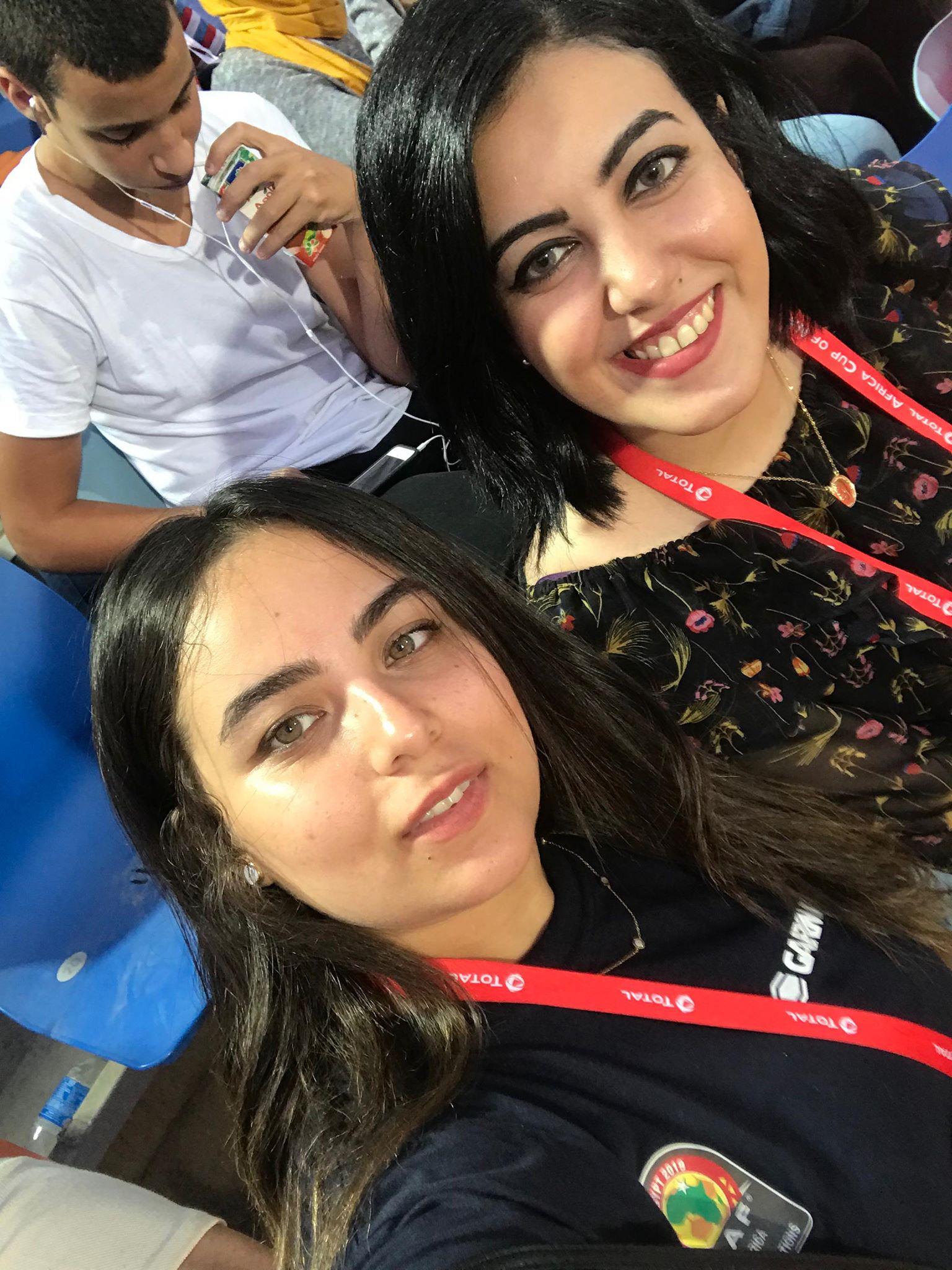 أسماء أشرف إحدى متطوعات الترجمة في بطولة توتال كأس الأمم الأفريقية مصر 2019