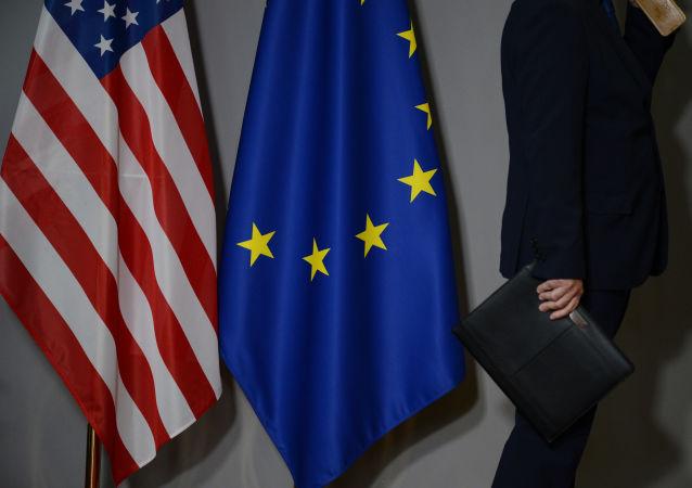 علم الاتحاد الأوروبي والولايات المتحدة