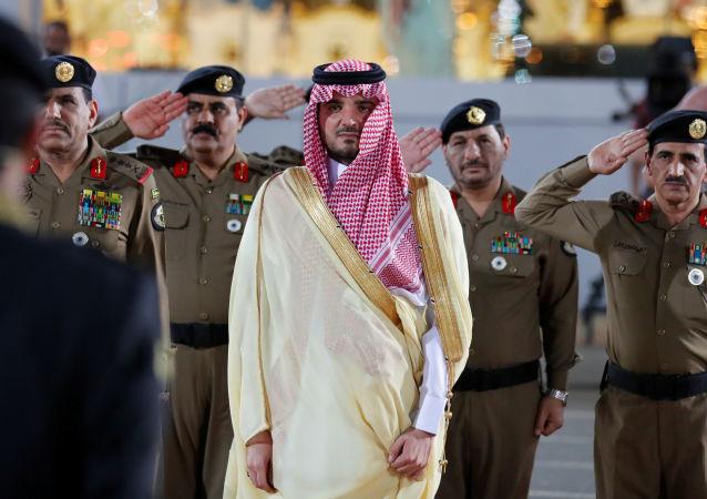 وزير الداخلية السعودي الأمير عبد العزيز بن سعود بن نايف