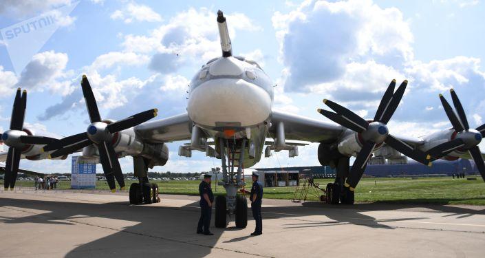 روسيا تشهد إطلاق قاذفة صواريخ جديدة