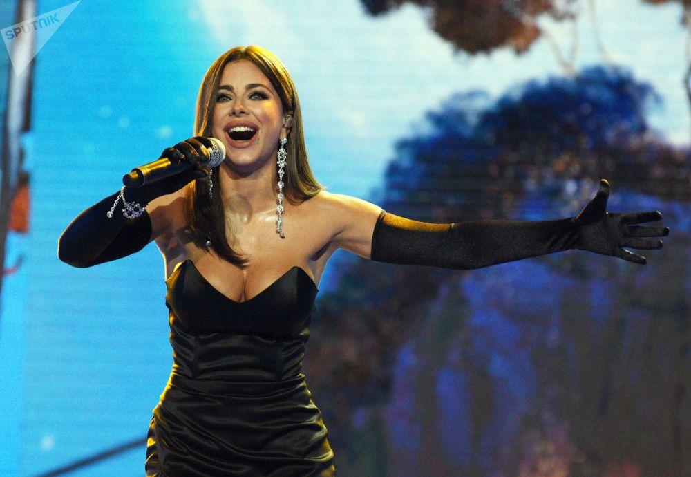 المغنية آني لوراك في المسابقة الدولية لفناني الأداء نوفايا فولنا- 2019  (الموجة الجديدة) في سوتشي