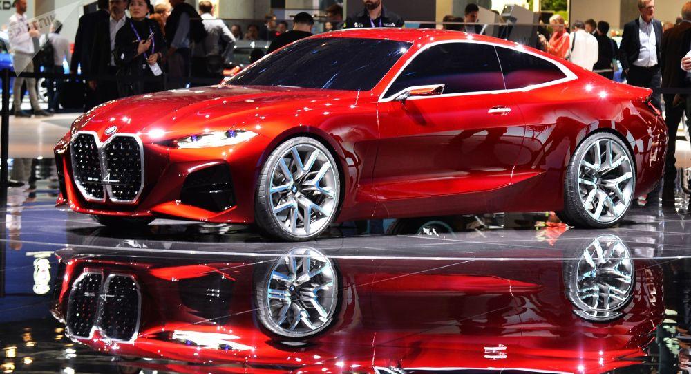 سيارة بي ام دبليو (BMW Concept 4) في المعرض الدولي  للسيارات في فرانكفورت، ألمانيا 10 سبتمبر 2019