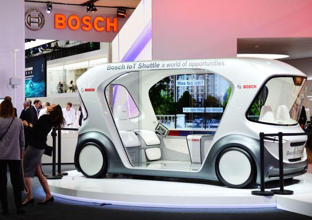 سيارة بوش أي أو تي شاتل (Bosch IoT Shuttle) في المعرض الدولي  للسيارات في فرانكفورت، ألمانيا 10 سبتمبر 2019
