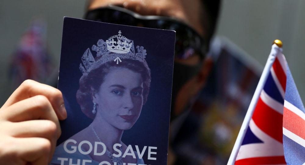 متظاهرو هونغ كونغ أمام قنصلية بريطانيا
