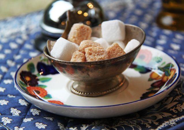 السكر الأبيض و البني