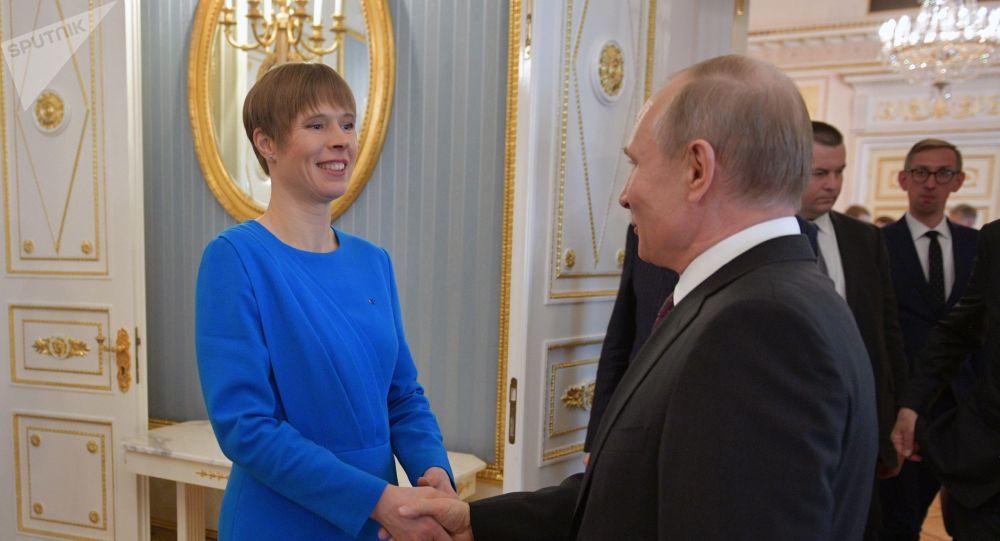 لقاء الرئيس الروسي بوتين والرئيسة الإستونية كاليولايد